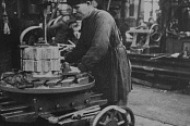 Manufacture of wheels for railway transport in the iron casting shop. 1923
